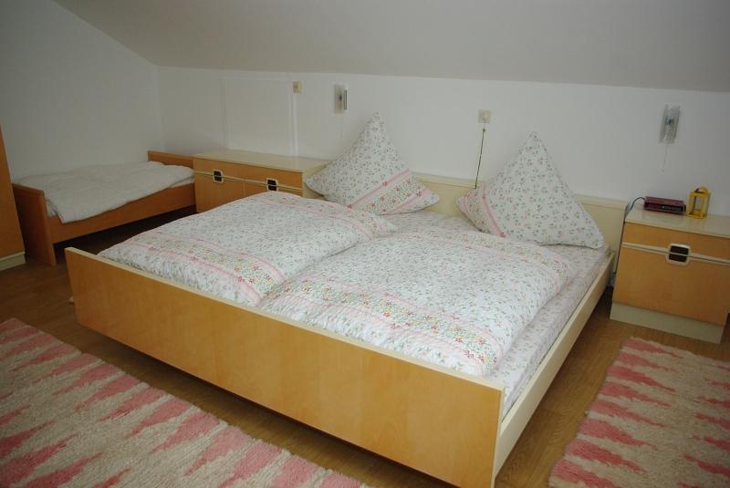 ferienwohnungen sachsenheim hohenhaslach ferienwohnung 1 f r 5 6 personen 90 qm. Black Bedroom Furniture Sets. Home Design Ideas